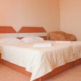Стая в топъл бежов цвят