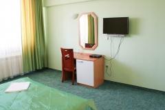 Тоалетка и телевизор